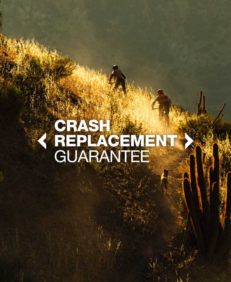 "BONTRAGER  ""UNCONDITIONAL GUARANTEE  &  CRASH REPLAZAMENT GUARANTEE""."